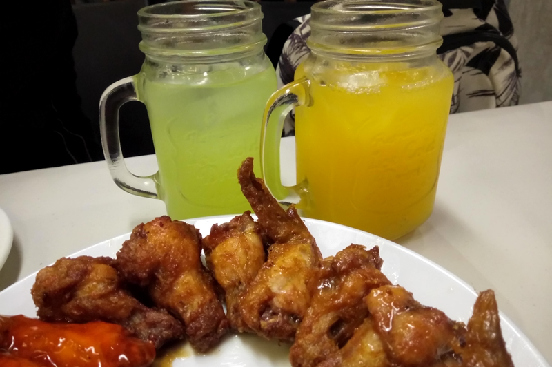 Chicken Wings And Drinks